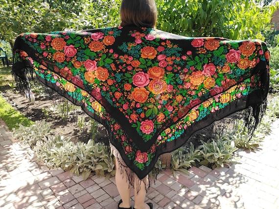 The black scarf Russian shawl shawl Ukrainian shaw