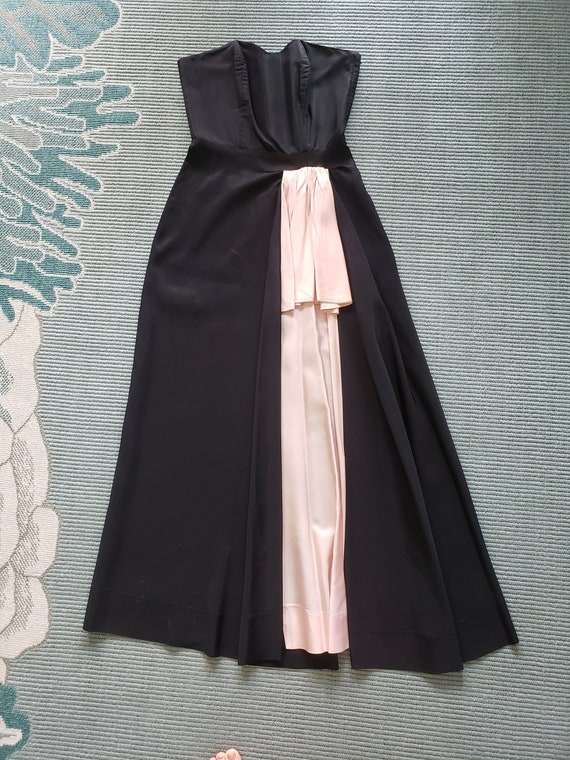 Femme Fatale!  1940s Black Taffeta Sexy Gown Pink
