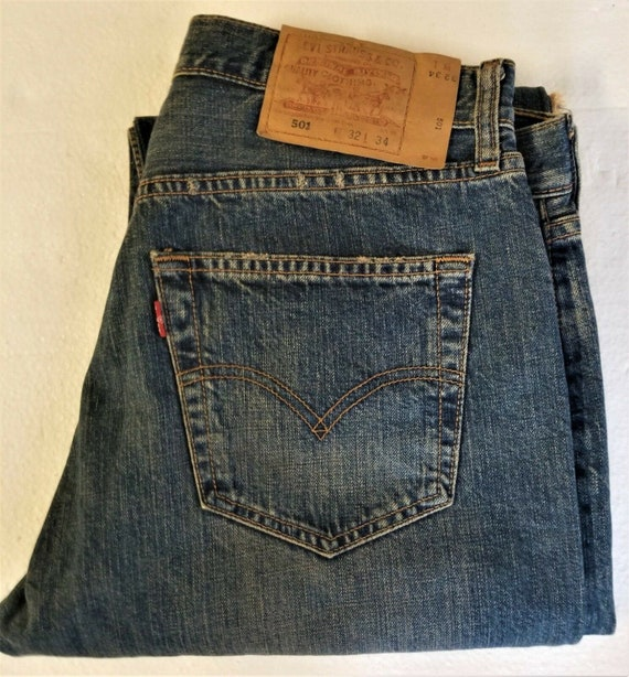 "Vintage LEVIS 501 BUTTON-FLY Jeans ""Distressed"" Bl"