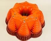 Vintage Ombre Bright Burnt Orange Bundt Brand Fiesta Party Pan - Heavy Cast Aluminum - Nordic Ware - Minneapolis, Minn., USA
