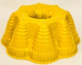 Vintage Yellow Bundt Brand Fiesta Party Pan Design - Aluminum - Nordic Ware - Minneapolis, Minn., USA