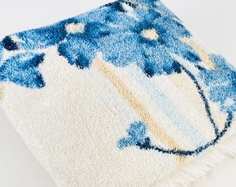 Vintage Blue Floral Pattern Rectangular Fringe Bath Towel - Cotton/Polyester Blend - Made In Canada