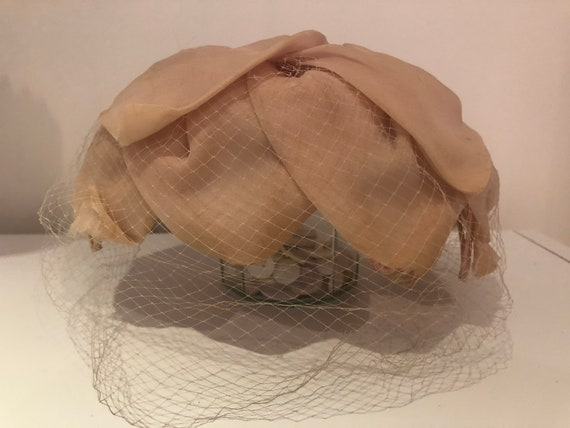 40s Peach Fascinator with Netting