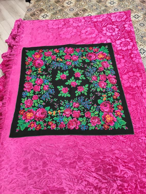 Ukrainian floral scarf, Vintage Ukrainian shawl, R