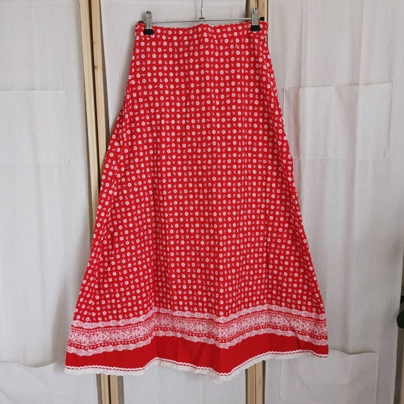 Vintage 70s deadstock dirndl skirt with lace & flo