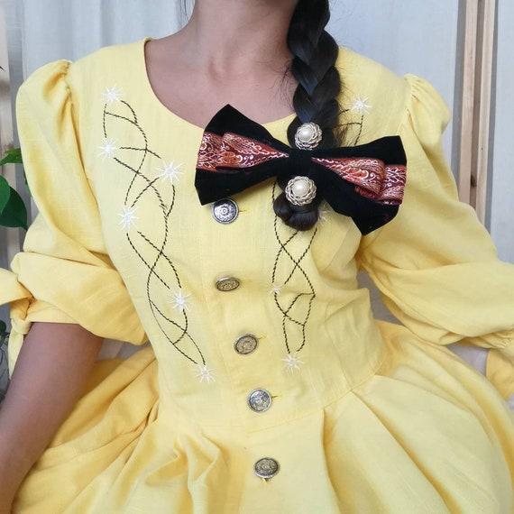 Vintage 80s Belle's yellow Bavarian dress (6020)