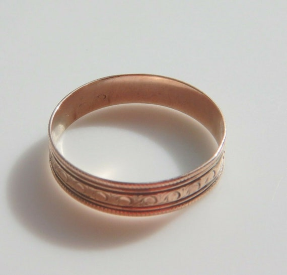 Victorian era 9ct Gold Wedding Ring, probably  Fre