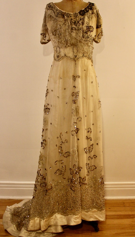 Yellow tulle dress embroidered with pearls 1900