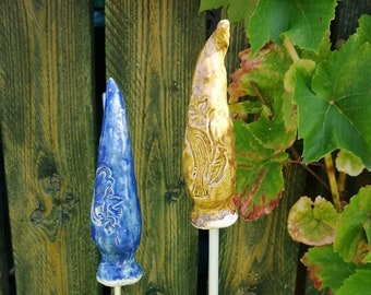 two frost-resistant decorative garden plugs for garden and balcony