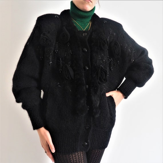 Vintage cardigan in embroidered wool