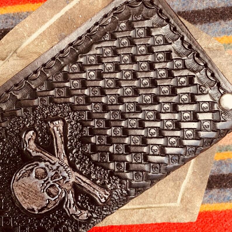 Biker Wallet Skull Basket Weave Black.