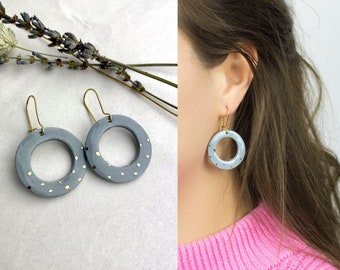 dots Porcelain earrings with 925 silver kidney hooks and platinum details