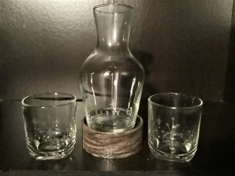 -2 Tumblers in each set 20 oz Hand Etched Starburst Juice Glass 8 oz and Decanter Set