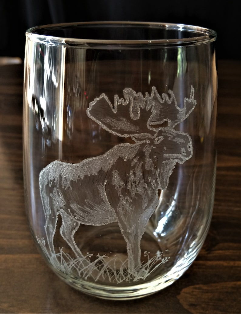 Hand Engraved Moose on a Stemless Wine Glass 17oz Capacity