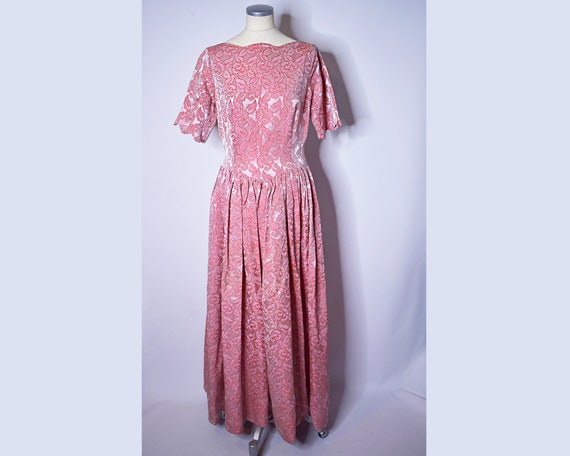 1960s Vintage Floral Brocade Evening Gown Pink an… - image 4