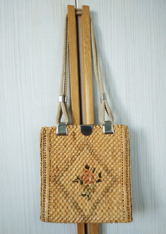 Vintage Straw Bag , Floral Embroidered Straw  shou