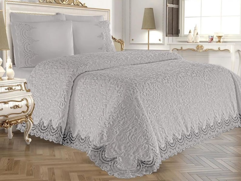 Luxury Lace Bedding Set / Lace and Pearl embroidered Soft ...