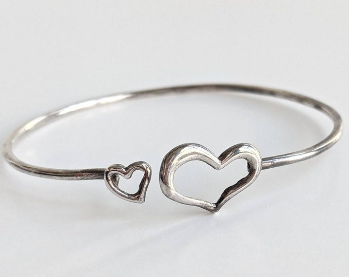 Solid 925 silver double heart open vintage bangle - Thin minimalist bracelet - Unique romantic gift for her