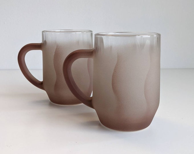 Set of 2 Dusky Rose Frosted Glass Mugs - Vintage frosted etched glasses with flower petal design - Unique Gift for Her