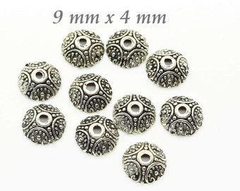40 Perlkappen in Form von vier Blättern in antik Bronze 8 mm