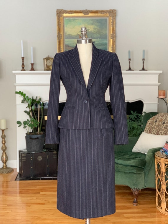 Vintage Sasson women's 2-piece suit, navy blue woo