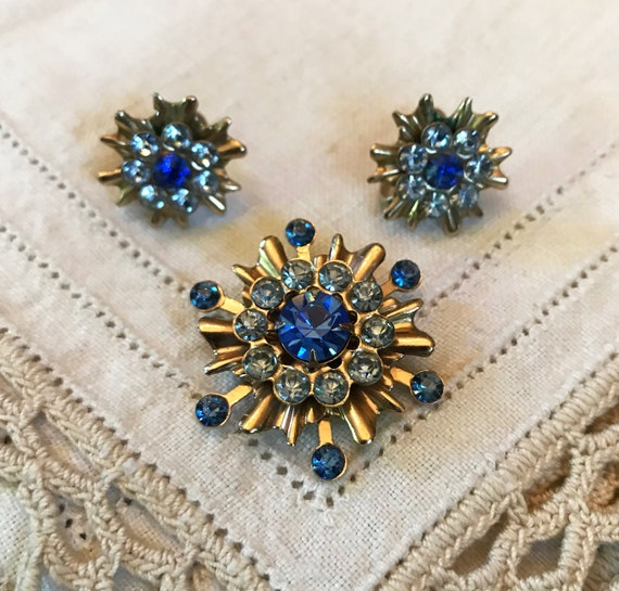 Bell Trading Nickel Silver Medallion Clip On Earrings Mid Century Vintage 1960s Southwestern Designer Clip Ons Starburst Earrings