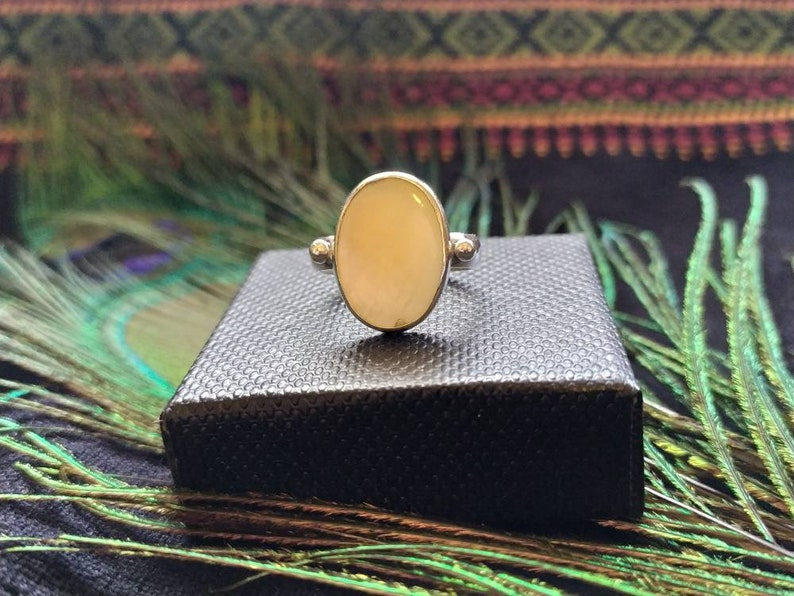 Silver ring mother-of-pearl