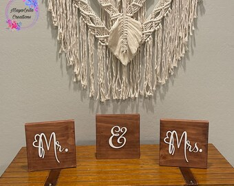 Mr And Mrs Wedding Signs, Wooden Wedding Signs, Rustic Wedding Signs, Wedding Table Wood Sign, Rustic Table Decor, Wedding Table Centerpiece