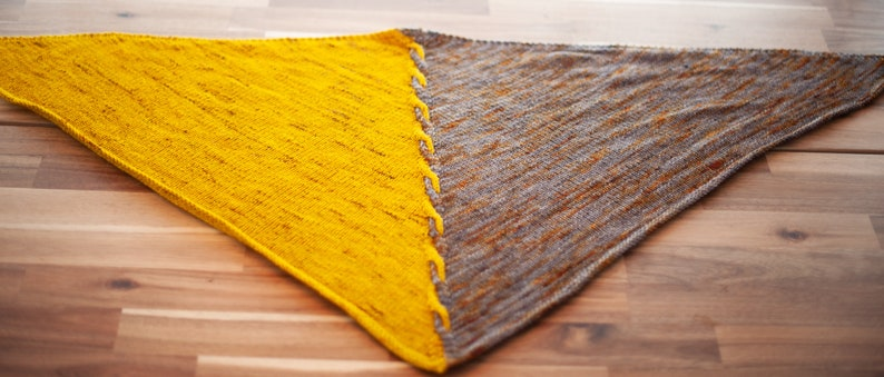 Knit Pattern  Two Color Triangular Cable Wrap  Edge of image 0