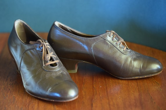 Exceptional vintage lace-up shoes, 30s/40s,