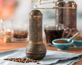 Decorative Coffee Grinder Antique Refillable Turkish Style Mill with Adjustable Grinder Manual Coffee Mill with Handle