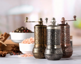 Black Pepper Grinder, Refillable Turkish Spice Mill with Adjustable Grinder, Antique Manual Pepper Mill with Handle