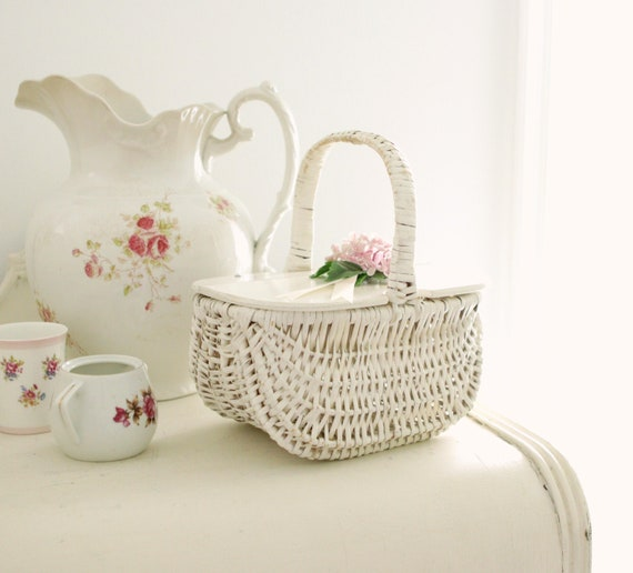 Vintage wicker purse, White picnic basket bag, Wov