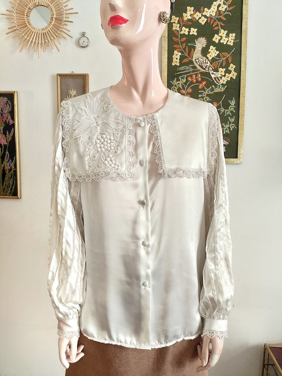White blouse large lace collar t. 40/42