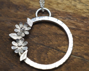 Silver daisy pendant   Sterling silver flower necklace   Handmade silver jewellery   Gift for her   Mothers day gift