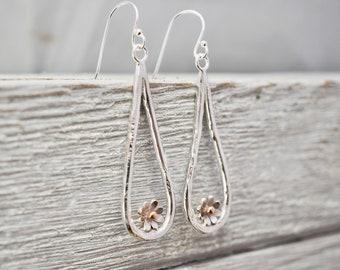 Silver daisy drop earrings   Flower earrings   Daisy dangle earrings   Sterling Silver Jewellery   Gift for her   Mothers day gift