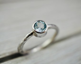 Blue Topaz ring | Sterling silver ring with sky blue topaz | Topaz ring with textured band | Birthstone jewellery | Gift for her