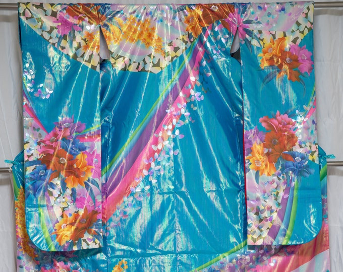 Featured listing image: Very Shiny Blue Retro 1980s Uchikake - Wedding Kimono Long Japanese Bridal Dress Gown - Very Unique Psychedelic Holographic Color Changing
