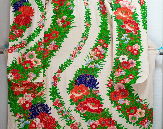 Featured listing image: Floral Green Silk Uchikake Wedding Kimono Long Japanese Bridal Dress Gown Shiny - Multicolored Flowers Chrysanthemum Cherry Blossoms Rare