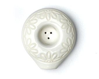 White Daisy Chain Circle Pipe