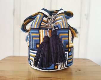 present for women original handmade in Colombia Christmas gift Wayuu mochila shoulder bag unique boho design