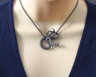 Green tourmaline pendant Snake pendant Dangle long pendant Minimalist simple pendant Tourmaline jewelry Snake jewelry Serpent pendant Animal