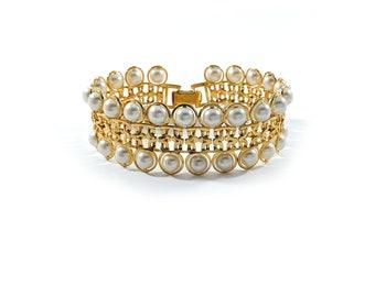 Vintage Avon Jewelry Vintage 1991 AVON Embossed /'I Love You/' /& Hearts /'Twice As Nice/' Goldtone Bracelet w Original Box 7-12 inches long