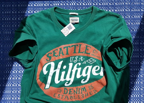 American t shirts 90s Vintage Tommy Hilfiger t shi
