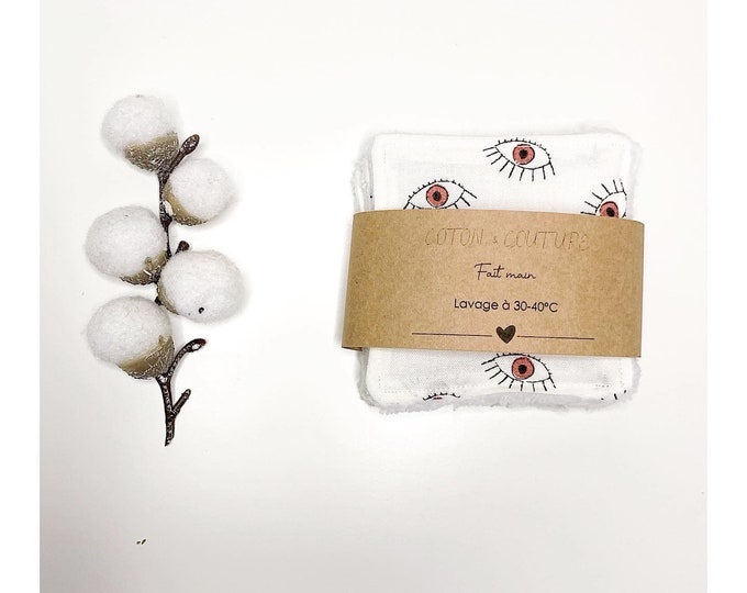Patterned make-up remover wipes