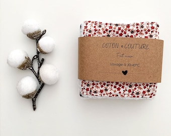 Flowery make-up remover wipes