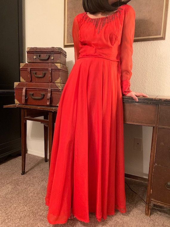 RED MAJESTY - Vintage Gown