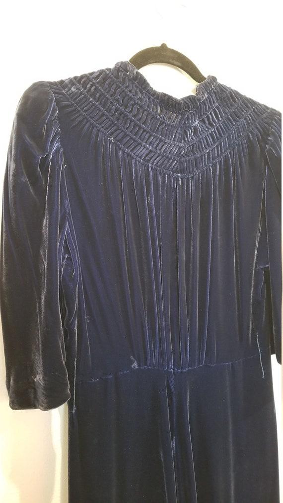 Vintage 30s/40s Blue Velvet Zip Front Dress - image 8