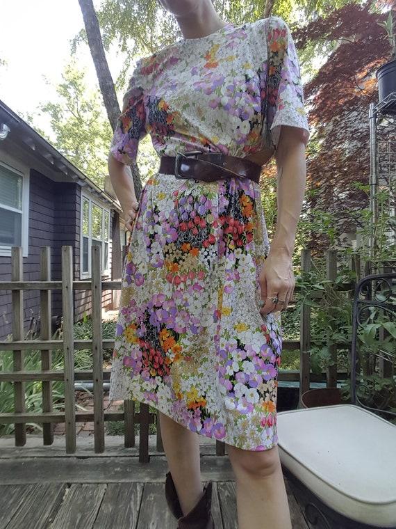 Vintage 1970s Floral Shift Dress