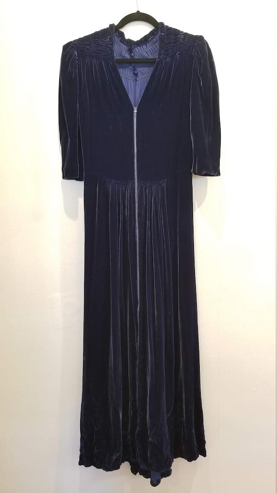 Vintage 30s/40s Blue Velvet Zip Front Dress - image 5